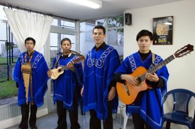 Kamentsa es el grupo de música andina dirigido por el estudiante de la UN en Manizales Jaime Alfredo Chindoy.  Fotos: Manizales/Unimedios