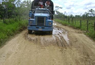 Con el banco de maquinaria se atenderán las vías terciaras de los 13 municipios del departamento de Putumayo. Foto: Alcaldía de Puerto Guzmán.