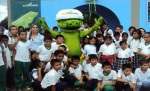 La iguana el símbolo que identifica a Ecopetrol también se gano el aprecio de los estudiantes.