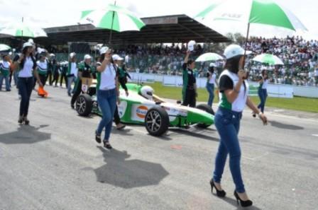 Al estilo de las grandes competencias automovilísticas del mundo, Fórmula SENA Eco fue –además– un espacio multicolor de cultura, música y belleza