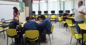 1.Durante varios días, los instructores dieron a conocer sus habilidades  para impartir formación presencial a los aprendices