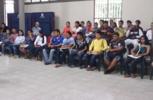 Jóvenes y adultos participaron de las charlas de orientación que se desarrollaron en el auditorio del SENA.