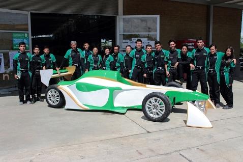 En esta versión de la Fórmula SENA Eco, las diez escuderías innovaron en el diseño, fabricación y ensamble de los vehículos eléctricos para encontrar el mejor resultado de desempeño en la pista. MMQ/agf