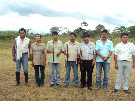 La comunidad de los pastos del  con sus autoridades en el año 2.011.
