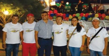 Miembros de la Junta Directiva de la Cámara de Comercio del Putumayo junto al Vicepresidente de la Cámara de Comercio del Lago Agrio - Ecuador
