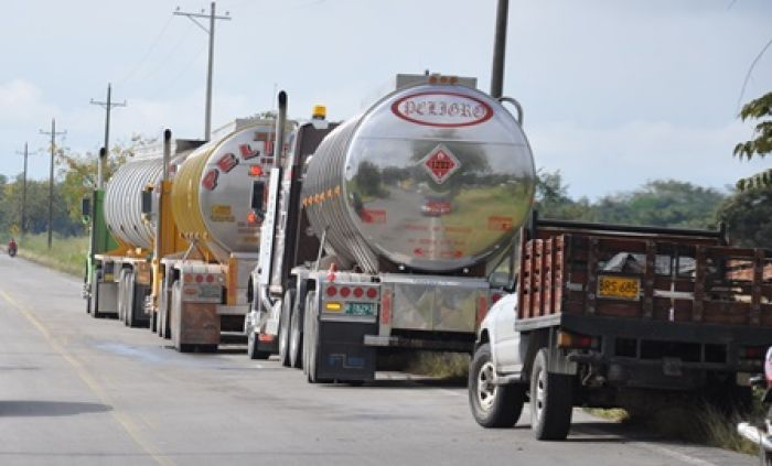 La problemática que están causando los carrotanques que transportan crudo será analizada en un foro en Gigante, al que asistirá la Ministra de Transporte y el Ministro de Minas.