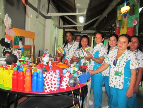 Aprendices SENA realizan juguetes con material reciclable ...