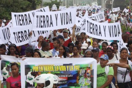 La marcha de las víctimas en favor de la restitución de tierras que se realizó en Urabá en 2012. / El Colombiano