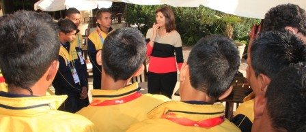 """""""Los felicito por todas las experiencias que están viviendo"""", señaló la Ministra Holguín durante el encuentro con los niños."""