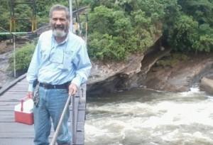 Juan Bernardo Serrano Trillos. El funcionario de 47 años falleció tras sufrir complicaciones cardiacas. Foto: Tomada de Facebook.
