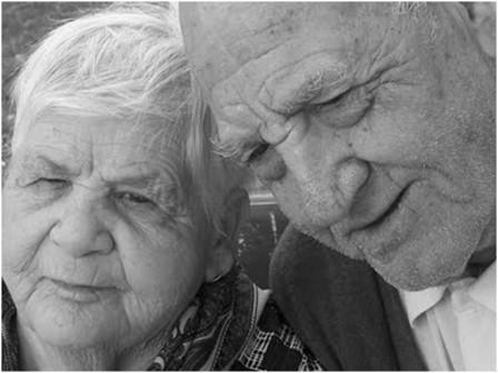 No hay nada mejor que sentir el abrazo amoroso de una abuela y el consejo desinteresado de un abuelo.