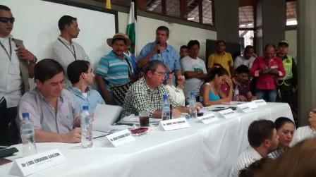 MESA DE DIALOGO EN PUERTO ASIS, 19 DE SEPTIEMBRE DE 2014, GOBIERNO Y ORGNIZACIONES SOCIALES