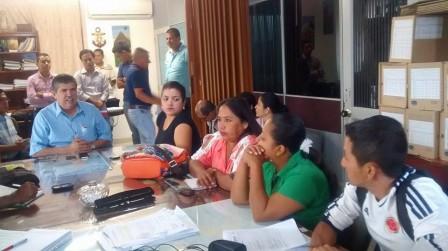 Alcalde de Puerto As´s Jorge Coral  en reunión con los cabildos indigenas