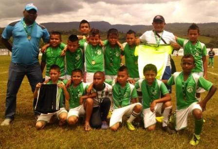 equipo de Puerto Caicedo, campeón de mini-futubol.