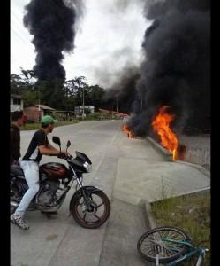 Atentado de la guerrilla contra el oleoducto Orito - San Miguel. / Foto: Tomada de Twitter / Anderson Escobar