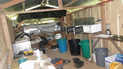 Ejército y Policía Nacional desmantelan cristalizadero de cocaína en San Miguel, Putumayo