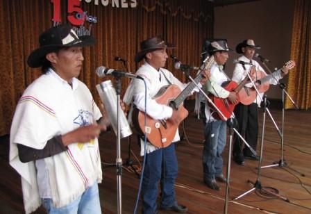 Grupo campesino que ganó el Azadón de Oro, participará en el Caimarón de Oro. Foto: Jaime Juajibioy