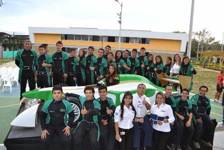 prendices de las regionales de Tolima, Huila, Caquetá y Putumayo participaron de esta competencia en la que la escudería Eass terminó tercera. Foto : ElLider.com