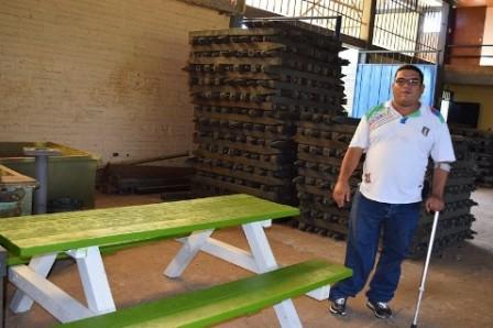 Alberto Gallego y su producto en Madera Plástica