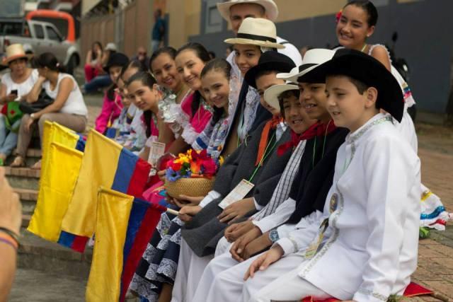 AGRUPACION CULTURAL COLOMBIA, CANTA Y ENCANTA