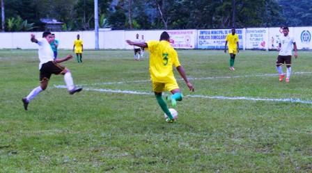 Con un marcador de 6 goles a 0, la selección de Nariño (uniforme amarillo) clasificó a la siguiente fase. Foto: Indercultura.