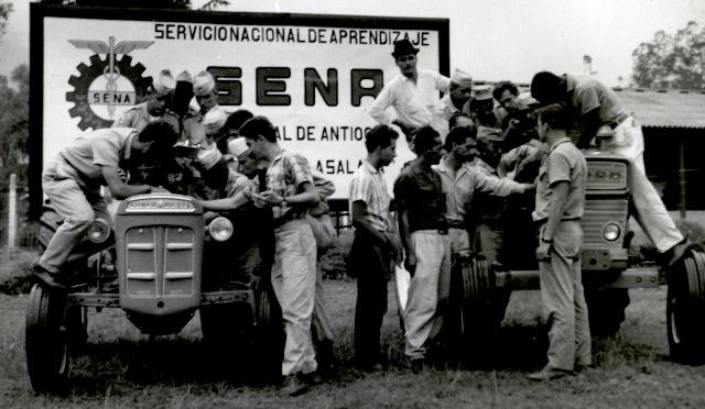 El SENA fue creado para ofrecer formación a trabajadores, jóvenes y adultos de la industria, el comercio, el campo, la minería y la ganadería.