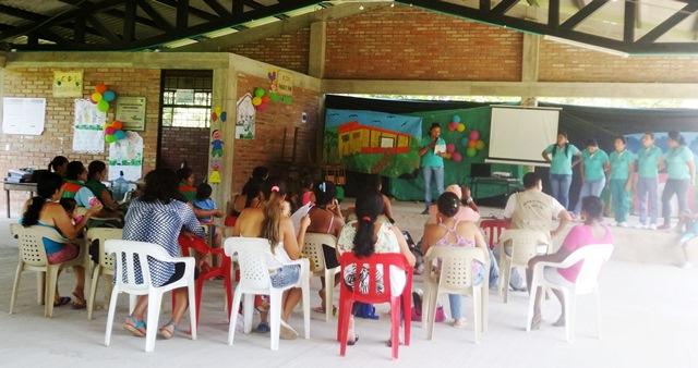 70 familias de los pueblos indígenas Awa, Embera, Yanaconas, Pijao, Ingas y Kamentsáhacen parte de este proceso reconstructivo.