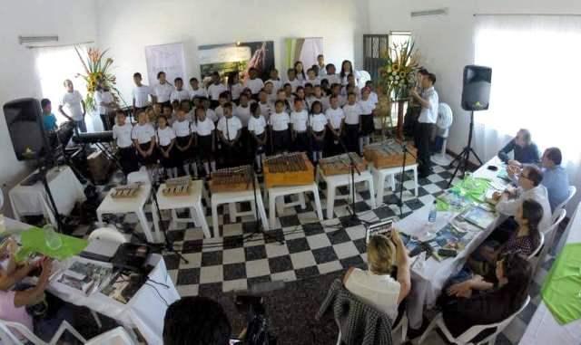 muestra artística de los niños del Centro Musical Batuta, programa de desarrollo cultural y educativo de Puerto Limón que es apoyado por Gran Tierra Energy Colombia