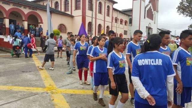 viernes 6 de noviembre pruebas de velocidad, fuerza, agilidad y resistencia en la calle principal de sibundoy. salida de las delegaciones al campamento.