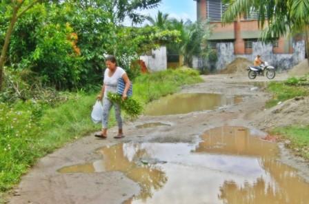 En la población de Puerto Asís habitantes y dirigentes desaprobaron a la Administración saliente de Putumayo. Afirman que obras y ayudas quedaron en veremos.