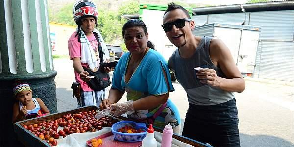 Foto: Archivo particular Mario Muñoz dice que la gastronomía de los lugares que visita le ha gustado mucho.