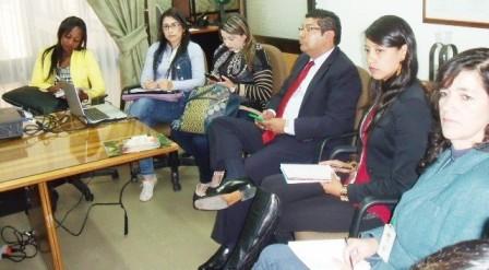 n la firma del acuerdo entre el Igac y Corpoamazonia de Putumayo estuvieron presente Lucy Castillo Landázuri, Cristina Solís, Diana Carolina Pérez y Horacio Guerrero, entre otros.