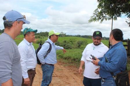 Alcalde de Puerto Guzmán y funcionarios de la EEP