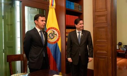 Ministro del Interior posesionó a Guillermo Rivera como Viceministro para las Relaciones Políticas