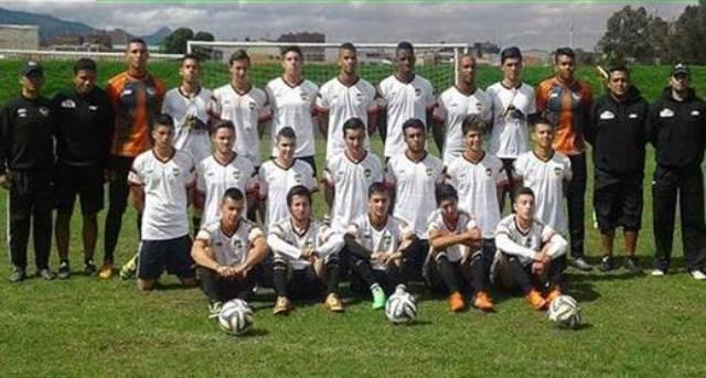 Este grupo de jugadores de Hecho en Colombia AF se prepara para viajar a España
