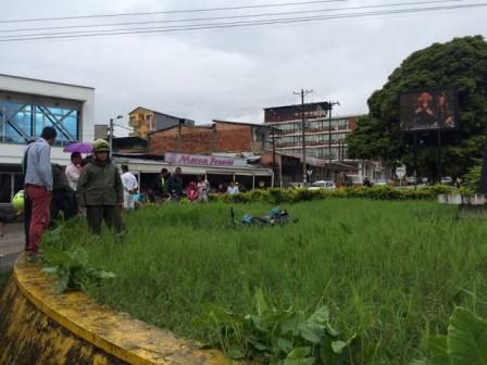 Foto Accidente en la Glorieta de la Av. Colombia - Mocoa. Facebook