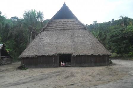 Foto 2: Comunidad Andoke de Aduche, Medio Caquetá. Clara Peña - Instituto SINCHI
