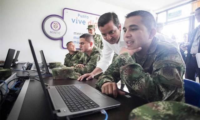 Con los Puntos de Paz, el Ministerio TIC lleva Internet a las guarniciones militares de Colombia