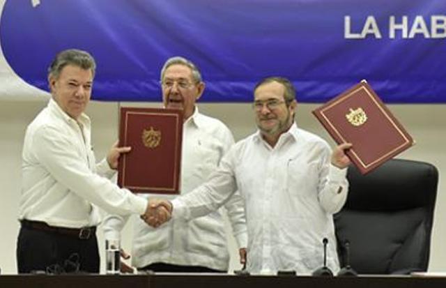 Firma del acuerdo del cese al fuego y hostilidades en La Habana, Cuba, el 23 de junio de 2016. PRESIDENCIA