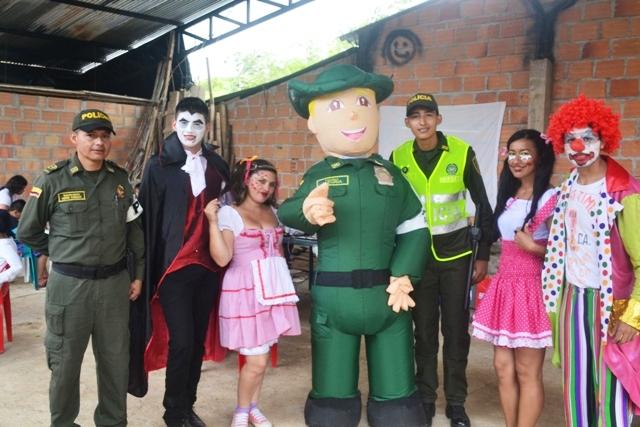 Ambiental y Estudiantes de Saneamiento Ambiental en el barrio San Miguel