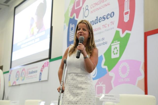 Ministra de Vivienda y Agua, Elsa Noguera, durante su intervención hoy en Andesco. Foto: René Valenzuela (MVCT)
