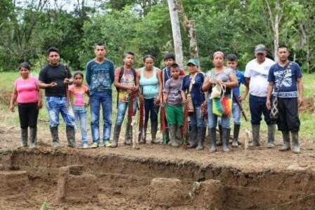 Indígenas Nasa en el territorio donde la Gran Tierra encontró la olla ancestral. No quieren que sigan penetrando en la Amazonia. Sonia Cifuentes - Asociación Minga