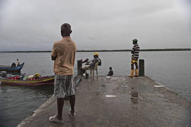 Ciudadanos de Tumaco, territorio afro en el Pacífico colombiano. CAMILO ROZO