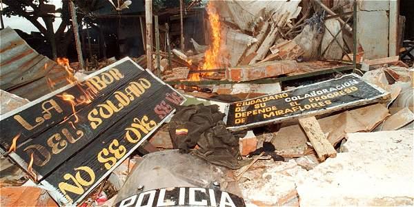 Foto: Milton Díaz / EL TIEMPO En 1998, las Farc arrasaron la estación de Policía y la base militar en Miraflores, Guaviare.