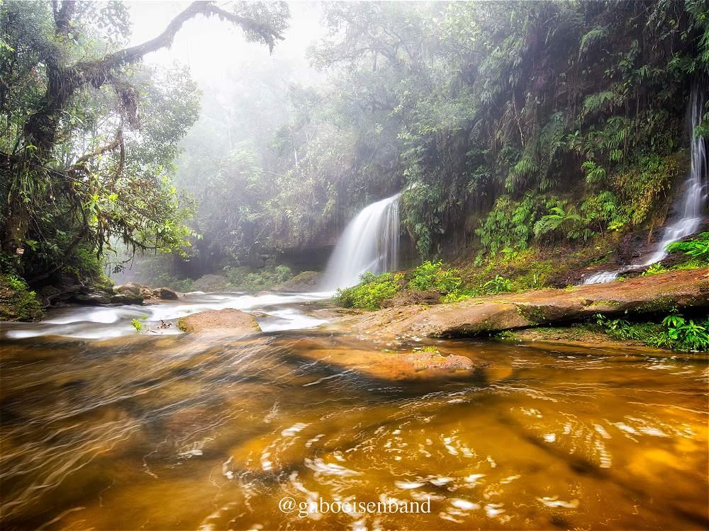 Gabriel Eisenband El departamento de Putumayo está lleno de cascadas y fuentes de agua pura.