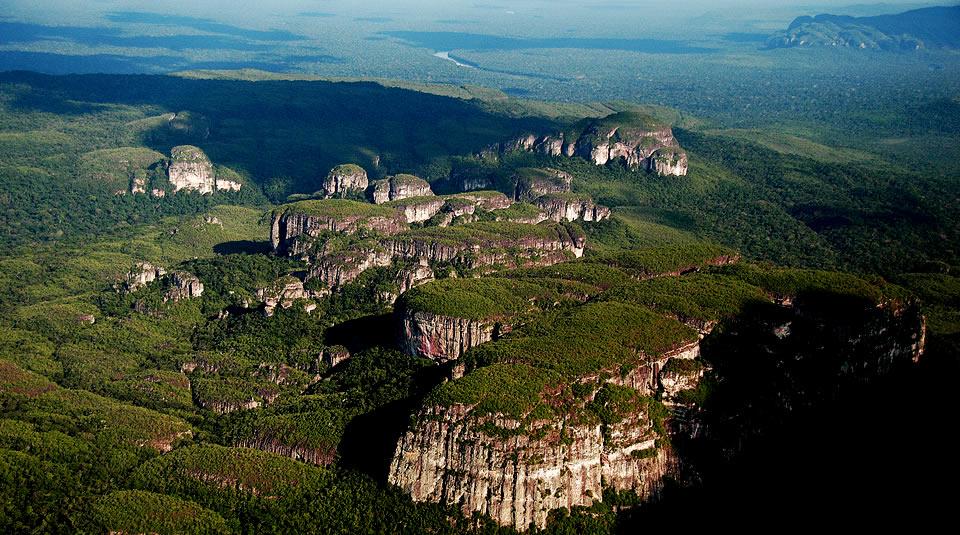 Parque Nacional Natural Chiribiquete amenazado por las actividades ganaderas. Foto: Alvaro Gaviria, Parques Nacionales Naturales.