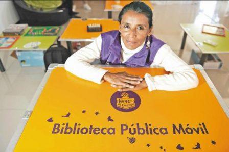 La bibliotecaria Gloria Stella Nupán, ganadora del Premio Nacional de Bibliotecas Públicas Daniel Samper Ortega 2014. Gustavo Torrijos