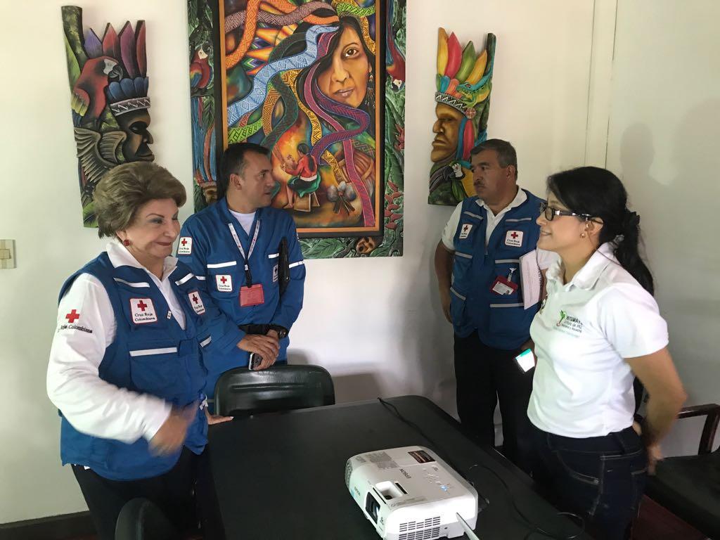 En la Foto : Judith Carvajal - Presidenta de la Sociedad Nacional de la Cruz Roja Colombiana y Sorrel Aroca - Gobernadora Putumayo
