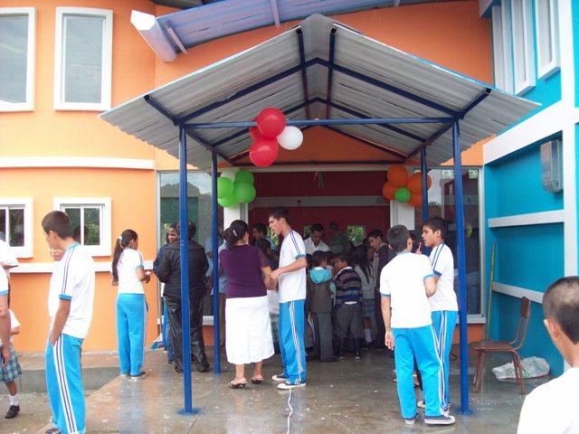 Inauguración de Biblioteca Escolar en la IE El Tigre