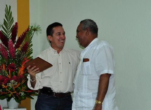 Reconocimiento público al Representante Ochoa